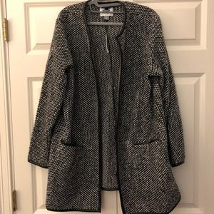 Black and white coat. Also available in all black